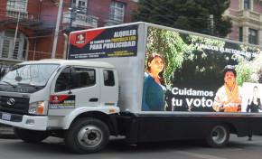 """""""Camión de la democracia"""" socializa Referendo Constitucional 2016 en La Paz y El Alto"""
