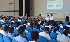 Estudiantes de secundaria reciben capacitación como guías electorales en Pando