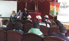 Estudiantes de Oruro se capacitan con miras a la elección de parlamentarios juveniles Mercosur