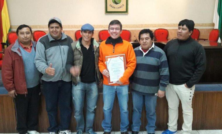 Director del SERECÍ junto a parte del equipo de servidores públicos que trabajaron en la campaña.