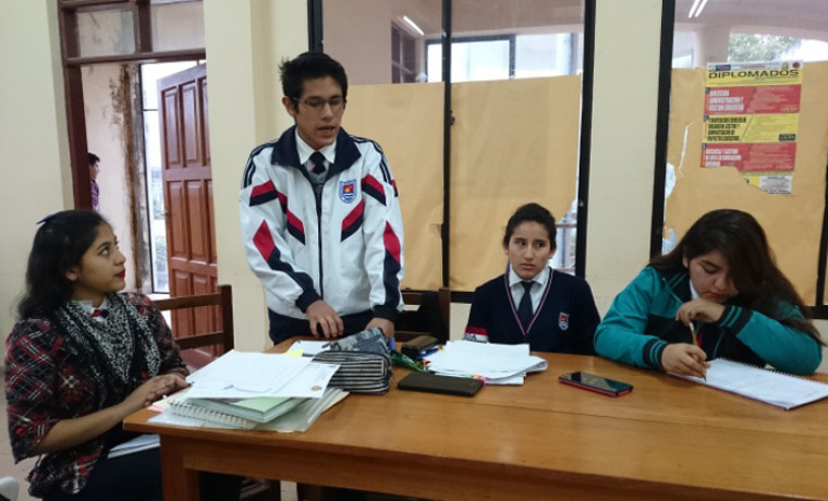 Exposición de propuestas por las y los estudiantes participantes.