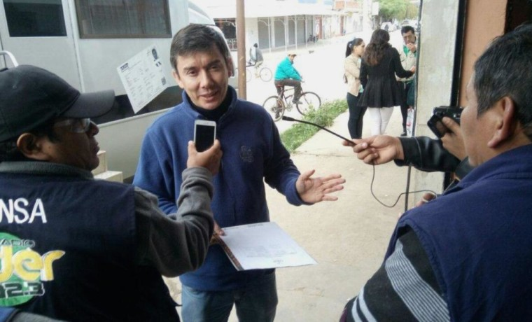 2. El director departamental del SERECI Tarija, Alberto Mealla, informa sobre la campaña en Bermejo.