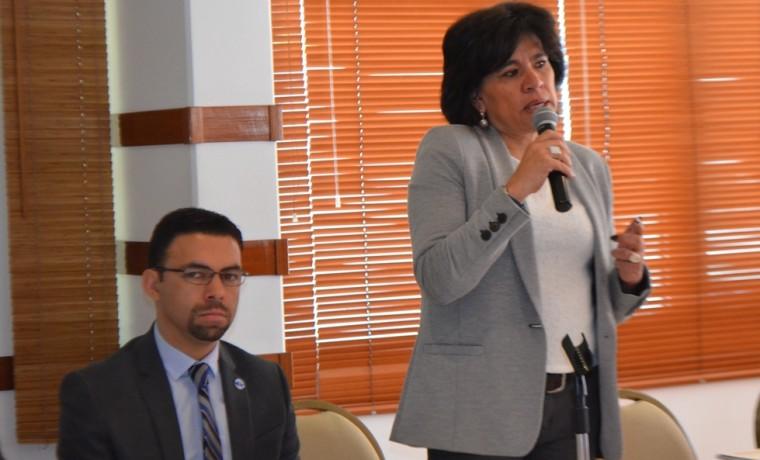 2. La presidenta del TSE, Katia Uriona, y el presidente del CNE Ecuador, Juan Pablo Pozo, en la inauguración del taller.