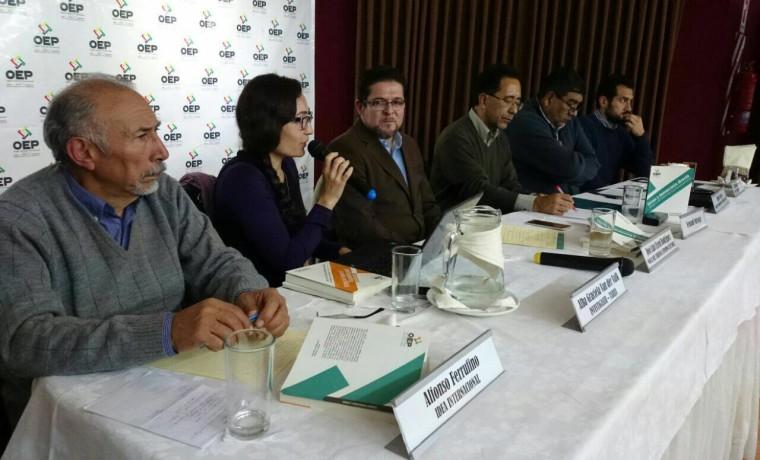 2. Presentación de las publicaciones en Tarija.