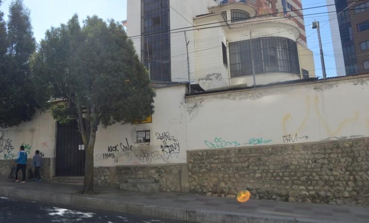 3. Frontis del Centro Penitenciario Femenino de Miraflores.