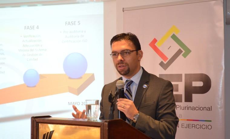 4. Juan Pablo Pozo durante su disertación en el taller.