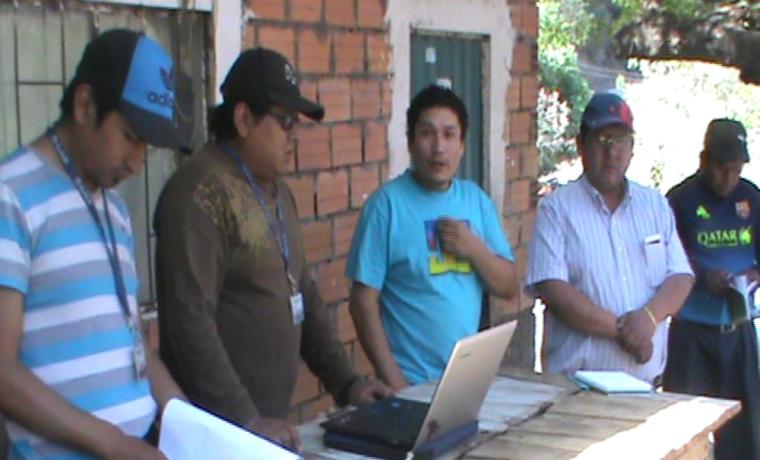 5. De izquierda a derecha, Amilcar Ondarza Gutierrez, Vladimir Poma Yampasi de la Dirección departamental de la AJAM.
