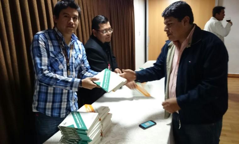 8. Presentación de las publicaciones en Tarija.