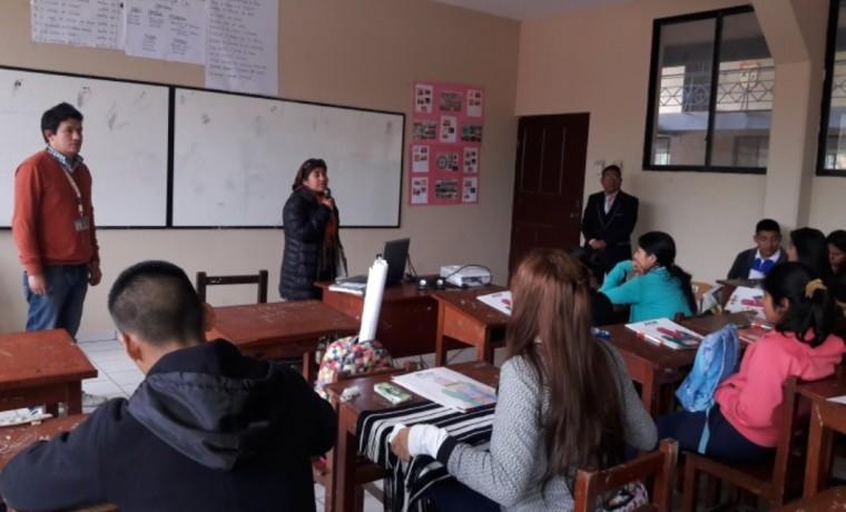 Capacitación en la Unidad Educativa Bolivia Diurno