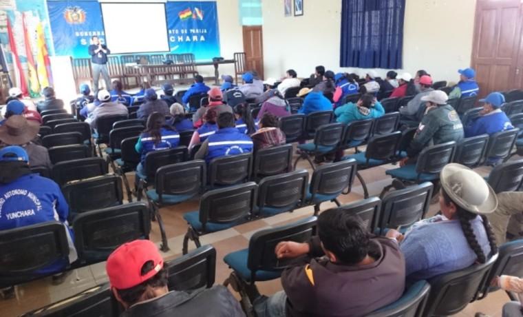 Durante la capacitación con las autoridades comunales, servidoras y servidores públicos del Gobierno Municipal de Yunchará.