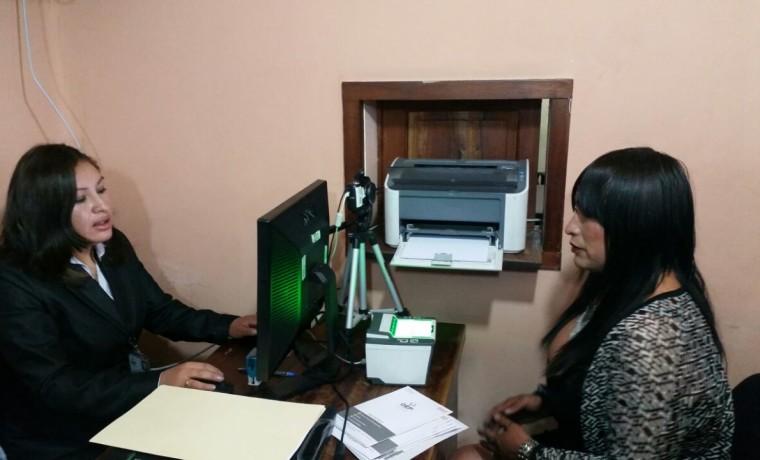 12. Recepción de la primera solicitud de cambio de nombre y dato sel sexo en el SERECI Potosí.