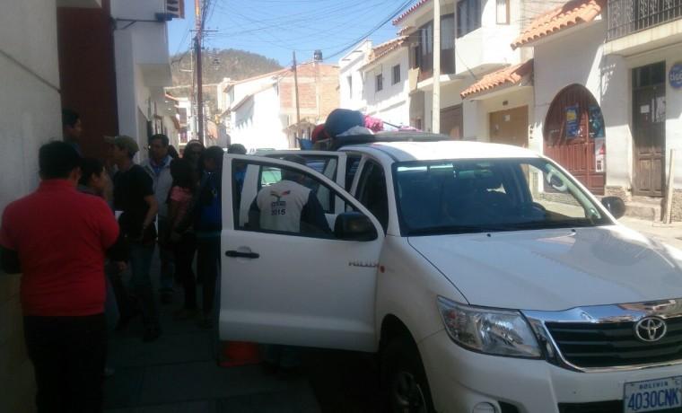 13. El equipo de empadronadores a punto de iniciar su traslado al municipio de Mojocoya (Chuquisaca).