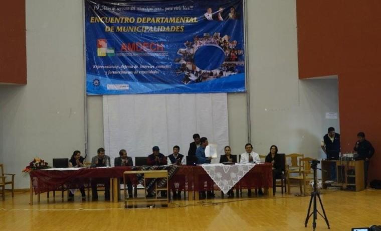 2. Las autoridades durante el Encuentro Departamental de Municipalidades de Chuquisaca