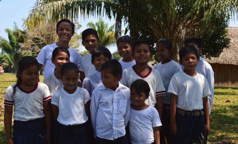 5. Los niños tambien participaron de esta asamblea dando la bienvenida a las y los participantes.