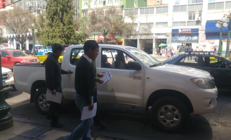 7. Una de las camionetas con los equipos y materiales necesarios para el empadronamiento en Viacha (La Paz).