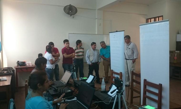 8. Santa Cruz, Yapacaní. Autoridades del SERECI en al unidad educativa Nacional Bolivia.