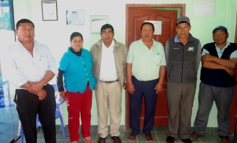 Miembros del comité electoral.