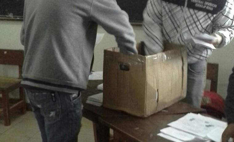 2. El conteo de votos en Charagua Estación.