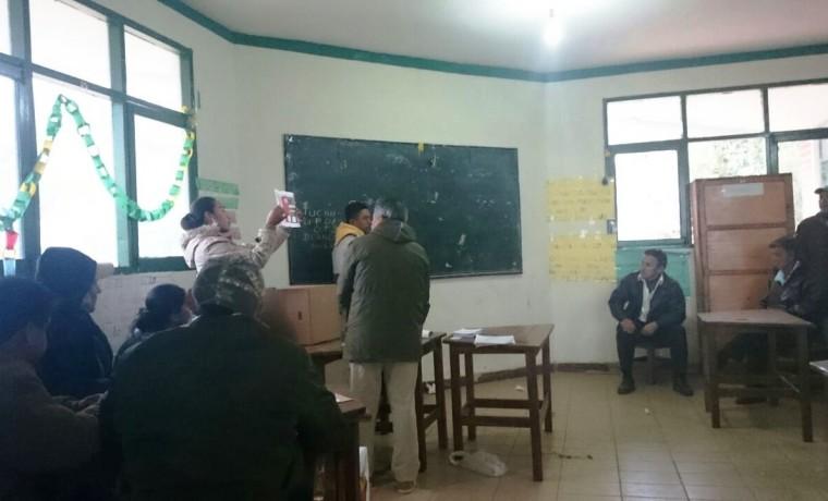 5. El conteo de votos en Charagua Estación.