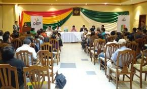 Tarija: Identifican los retos que aún se deben afrontar a 34 años de democracia en Bolivia