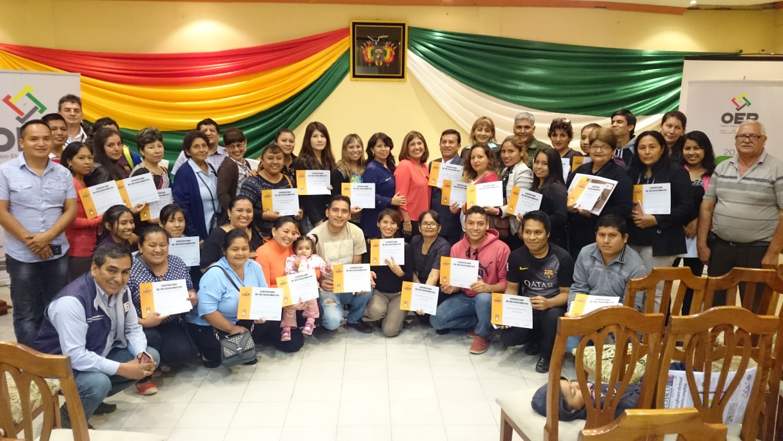 entrega-de-certificados-de-reconocimiento-en-yacuiba