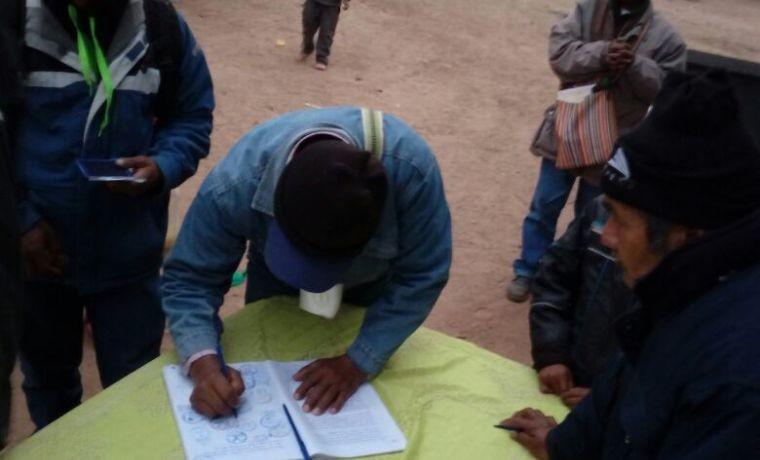 alto-isoso-las-y-los-delegados-firmaron-el-acta-de-la-asamblea-zonal