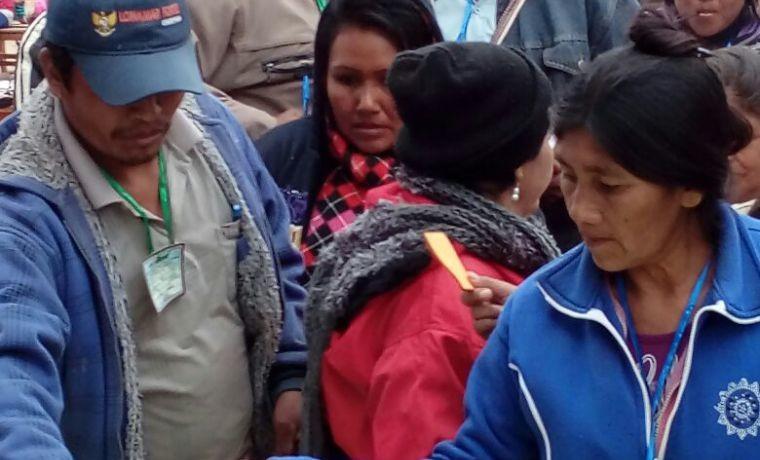 alto-isoso-mujeres-delegadas-de-las-comunidades-emiten-su-voto