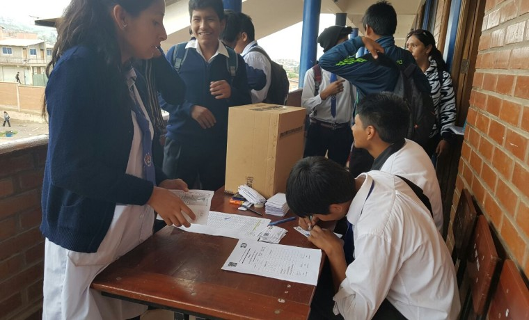 Elección en unidad educativa María Ayma Mamani.4