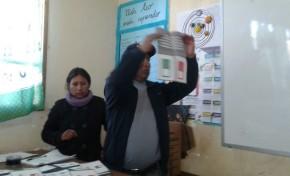 En Antequera y Sicaya cierran la votación y comienzan el conteo de votos