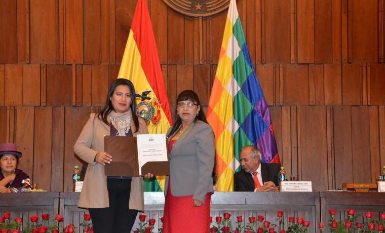 1. Dolka Vanessa Gómez Espada (titular)