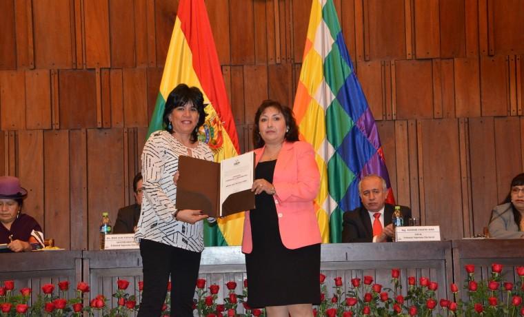 5. Mirtha Gaby Meneses Gómez (suplente)