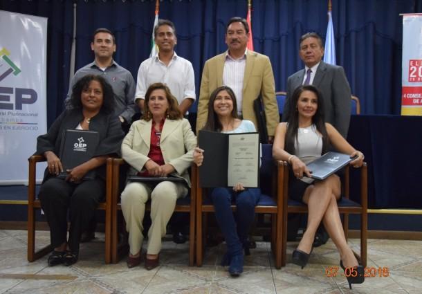 El TED Cochabamba entrega credenciales a ocho consejeras y consejeros electos de COMTECO