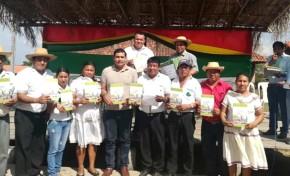 La nación Monkoxi de Lomerío recibió un lote de ejemplares de su proyecto de estatuto autonómico indígena