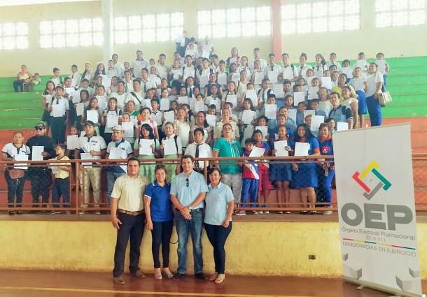 Beni: más de 100 gobiernos estudiantiles recibieron sus credenciales