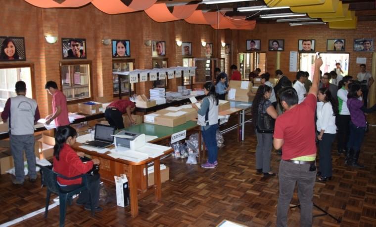 maletas_cochabamba_primarias_170119_1