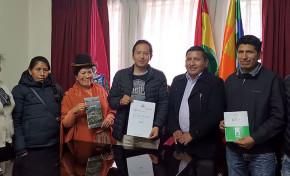 El TED La Paz entrega los resultados oficiales del Referendo Autonómico de Cartas Orgánicas a las autoridades de Cajuata