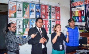 El TED Cochabamba socializa las características de las Elecciones Generales en lenguaje de señas