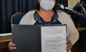 El TED Cochabamba entrega credenciales a la nueva Alcaldesa de Entre Ríos, Erlinda Luizaga