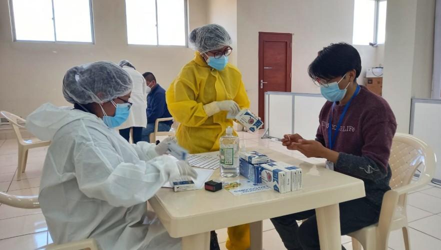 Realizan pruebas rápidas de Covid-19 al personal del TED Potosí