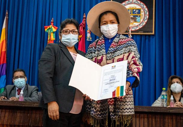 Concejalas mujeres representan el 54% de las autoridades electas en 33 municipios de Oruro