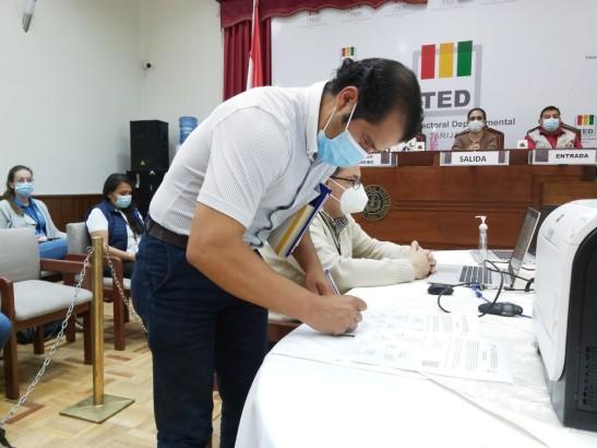 Efraín Maraz, delegado del MAS-IPSP