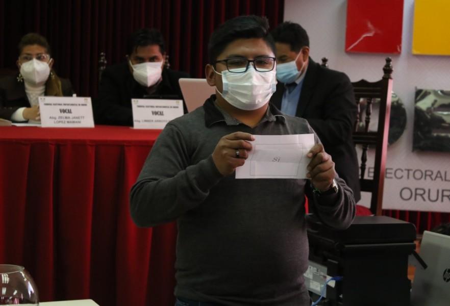 Candidato del MTS gana por sorteo el quinto escaño en el Concejo Municipal de Andamarca