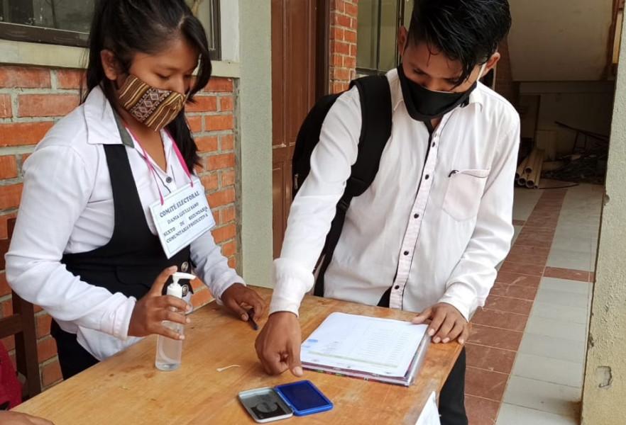 Estudiantes eligen a sus representantes en el municipio de Coripata, La Paz