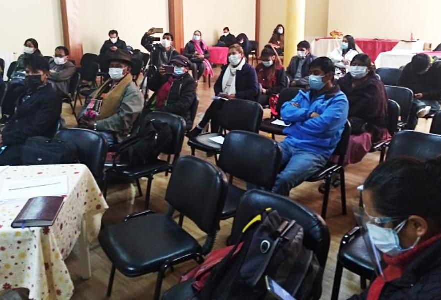 Organizaciones políticas de Potosí exponen sus necesidades en un taller sobre Fortalecimiento público en año no electoral