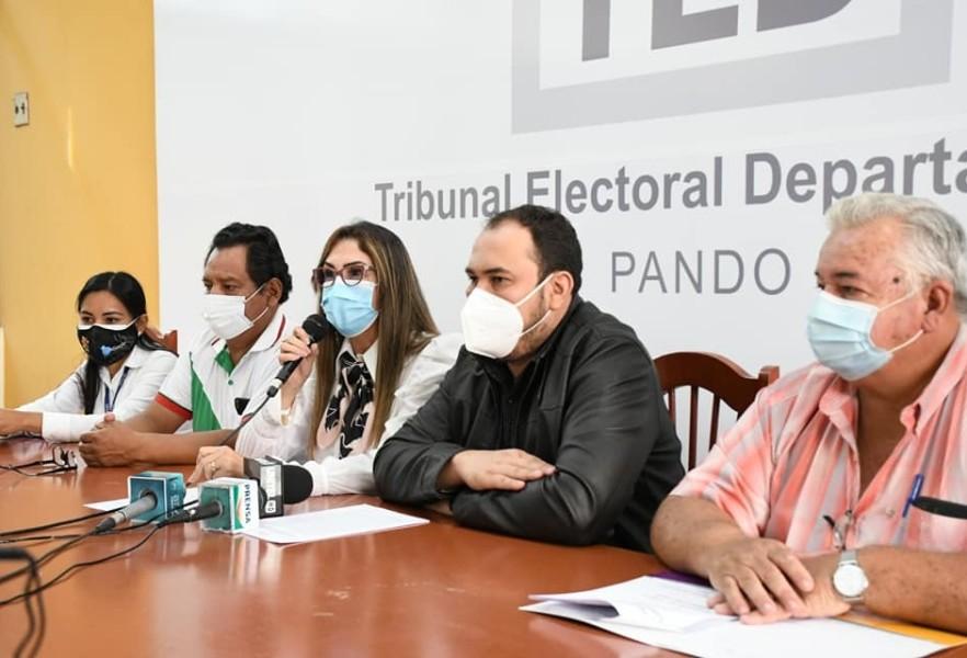 CONFERENCIA DE PRENSA TED PANDO