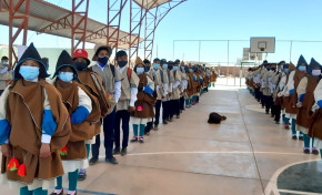 Estudiantes de Uru Chipaya eligen a su gobierno estudiantil por normas y procedimientos propios