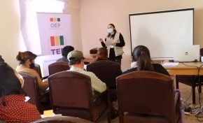 Ley 1096: organizaciones políticas de Oruro reciben capacitación en manejos económicos