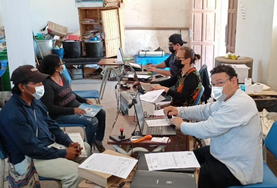 Tarija: pobladores de ocho localidades indígenas se benefician con campaña de registro, saneamiento y certificación promovida por el OEP