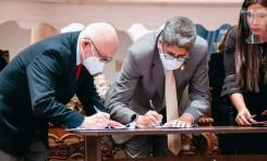El TSE y la USFX suscriben un convenio para el posgrado Diplomado en Derecho Electoral