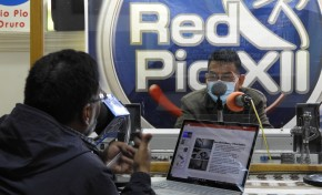 Radio Pío XII Oruro abre un espacio para socializar la democracia intercultural